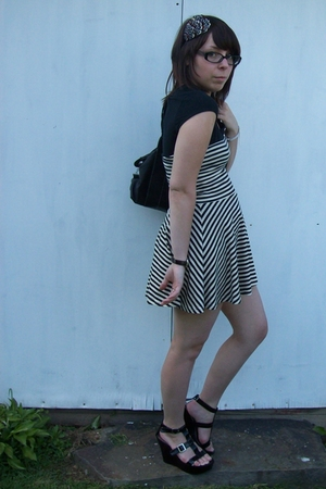 black American Apparel dress - black platform wedges Steve Madden shoes