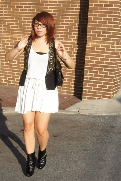 urban vibe vest - American Apparel dress - forever 21 boots - Ezekiel purse