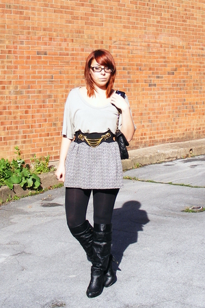 American Apparel shirt - Wet Seal skirt - Urban Outfitters belt - Express leggin