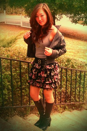 pink floral print Rue 21 skirt - black leather calvin klein boots