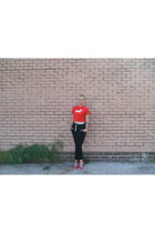 ruby red crop Puma t-shirt - black joggers H&M pants