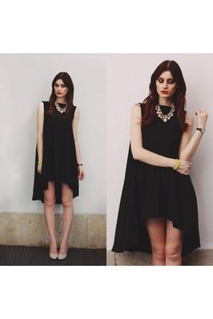 black Chicwish dress