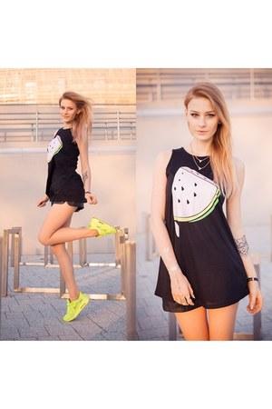black StyleMoi top