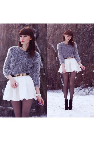 white stylemoinu skirt