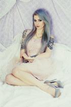 silver deezeepl heels
