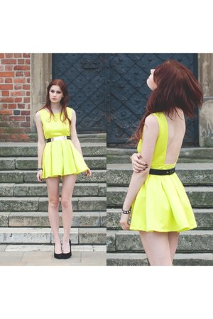 yellow Oasapcom dress
