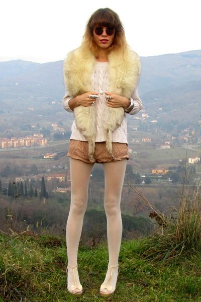 albatros ring - Mango sweater - Sisley tights - Forever 21 shorts