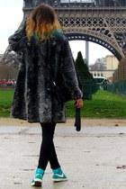 Zara jeans - Batulu gloves - nike sneakers