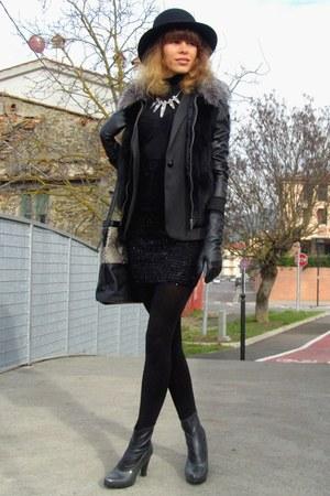 Sisley boots - Pimkie hat - Zara blazer - Calzedonia tights - Stradivarius bag