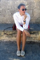 Forever 21 sweater - Zara shoes - Mango shirt - H&M bag - Gucci sunglasses