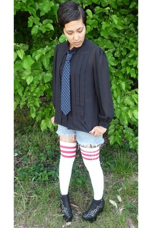 black Jeffrey Campbell boots - blue Vintage Levis shorts - hot pink American App