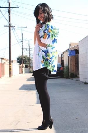 vintage top - vintage shorts - Target tights - Target shoes