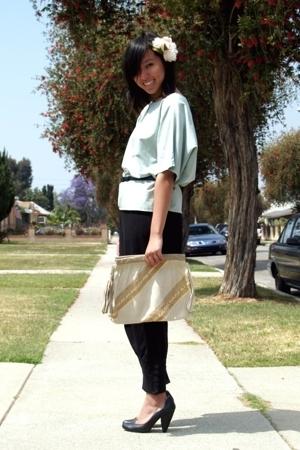 vintage top - vintage belt - H&M pants - seychelles shoes