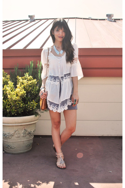 Ivory-lace-akira-dress-tawny-candis-hobo-the-original-bag_400