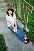 dark brown floppy felt Urban Outfitters hat - blue skinny madewell jeans