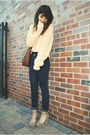 Light-pink-urban-outfitters-sweater-navy-jean-madewell-leggings