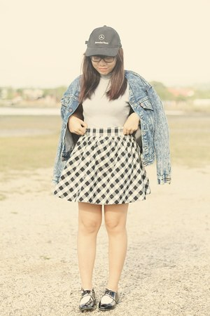 charcoal gray denim Levis jacket - black oxfords shoes - black gingham skirt