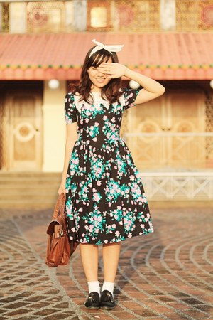 black 50s floral dress - brown satchel bag - black tassel loafers