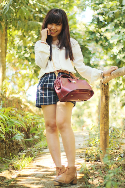 ruby red bag - navy shorts - white collared No 7 Collection blouse