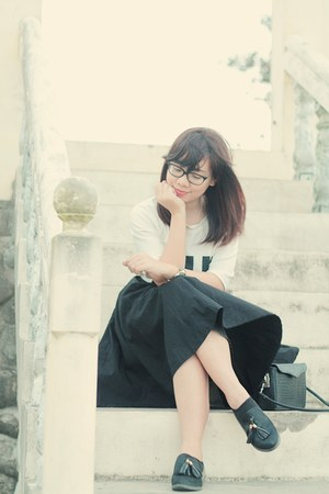 black midi skirt - white boxy Style by Millruwya shirt - black Chanel glasses