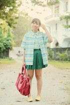green pleated skirt - chartreuse daisy print blouse