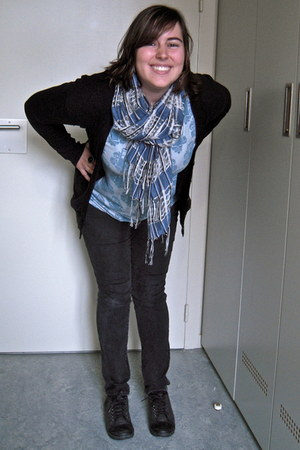 dark gray LEI jeans - blue italian scarf - black Gap cardigan