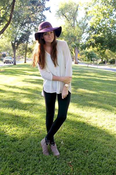 deep purple floppy World Market hat - heather gray booties boots