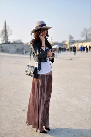 salmon satin Zara skirt - charcoal gray black detail H&M hat