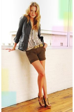 gray blazer - brown shorts
