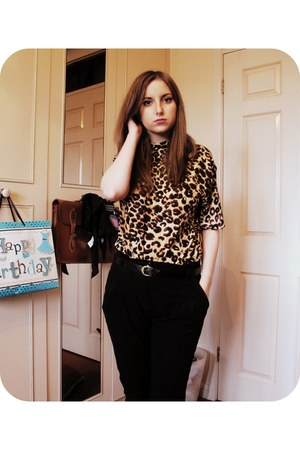 gold vintage shirt - black Boohoocom pants - black Primark belt