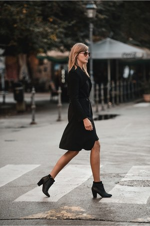 Bershka boots - Front Row Shop coat