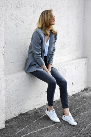 on my blog blazer - Adidas sneakers