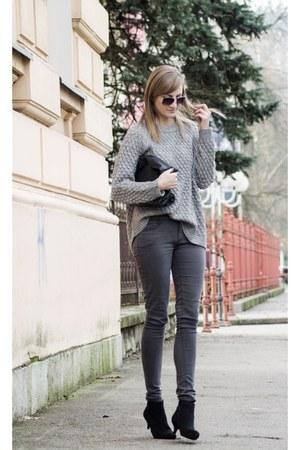 H&M sweater - Zara bag