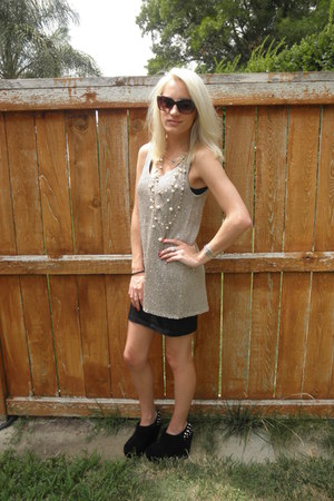 beige mattyb top - black bodycon cotton on dress