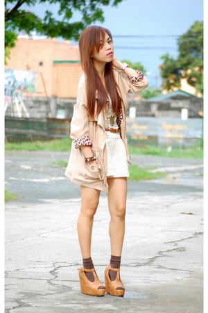 beige Nava coat - ivory lace shorts - off white inner Forever 21 top