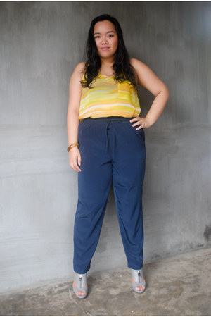 yellow sleeveless Forever21 blouse - navy Forever21 pants