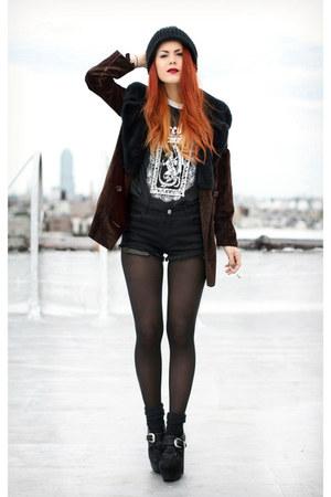 black asdsfa shirt
