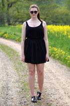 aerosoles shoes - H&M top - Monki skirt