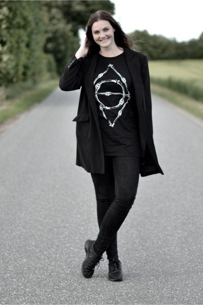 black H&M jeans - black second hand blazer - black Asger Juul Larsen t-shirt