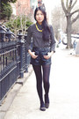 Black-pop-basic-blouse-yellow-pop-basic-necklace-black-my-hot-shoes-flats