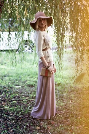 white Zara sweater - camel H&M hat - nude Zara bag - light pink Zara skirt