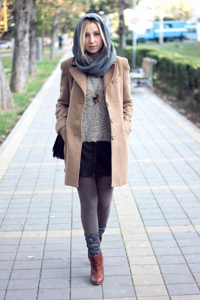 silver H&M scarf - tawny Bershka boots - camel Stradivarius coat