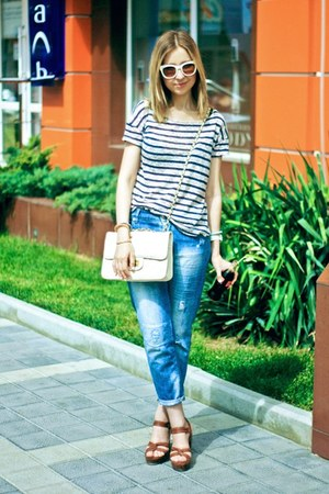 blue Zara jeans - white Bershka bag - brown H&M heels - white Zara glasses