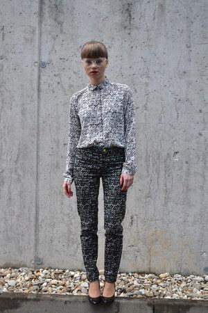 navy H&M shirt - black badura heels - ivory H&M pants