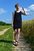 black New Yorker dress - black New Yorker wedges - silver New Yorker bracelet