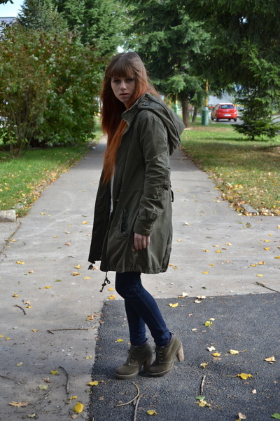 army green New Yorker coat - navy vintage jeans - army green Gate heels