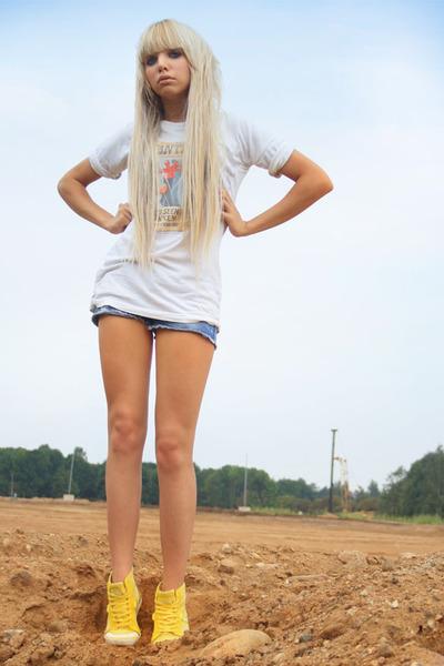 Vans shoes - Top Shop shorts