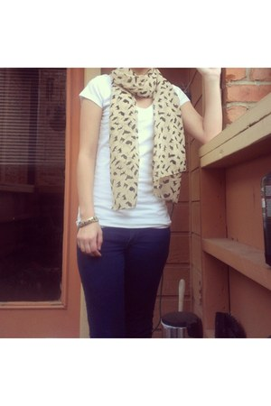 Abercrombie jeans - cats scarf - flats