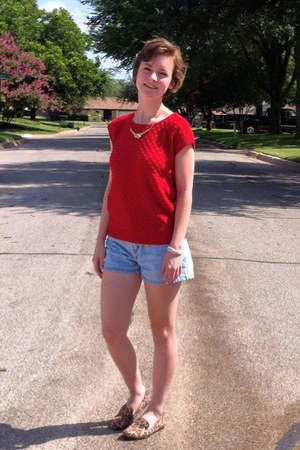 sweater - jean shorts kohls shorts - collar necklace - leopard print kohls clogs