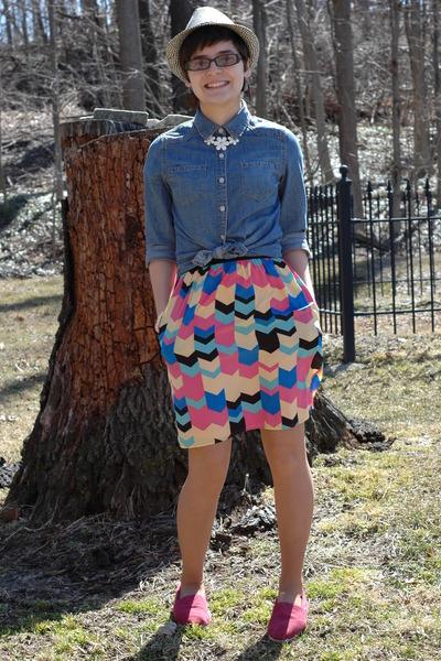 navy comfortable Target shirt - magenta TOMS shoes - francescas dress